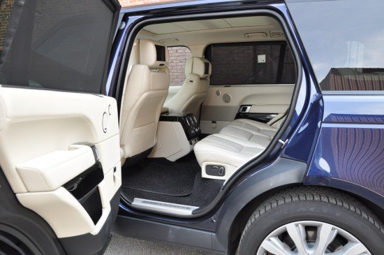 550x365x2014-land-rover-range-rover-lwb-long-wheel-base-rear-door-seat-550x365.jpg.pagespeed.ic_.B1qECyAj6r