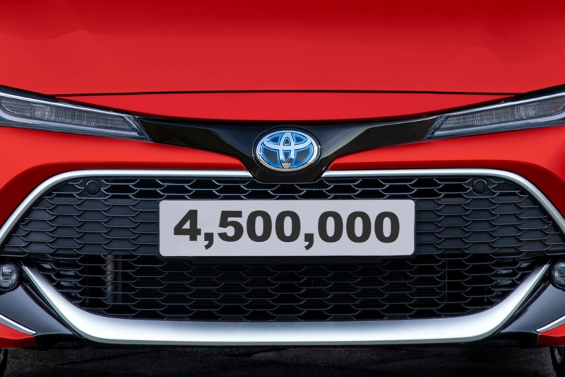 Corolla - Toyota's 4.5 millionth British-built car